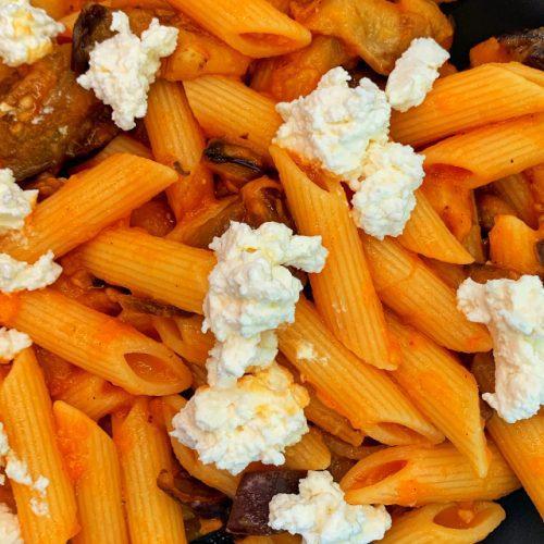 Pasta alla Norma - En tradisjonell siciliansk sommerrett